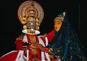 Asia. Attori del kathakali al Karthica Thirunal Theatre di Trivandrum in India.De Agostini Picture Library/V. Degrandi