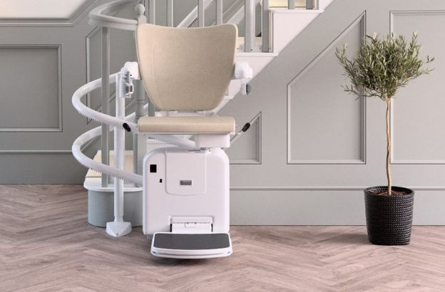 curved-stairlift-montascale.jpg